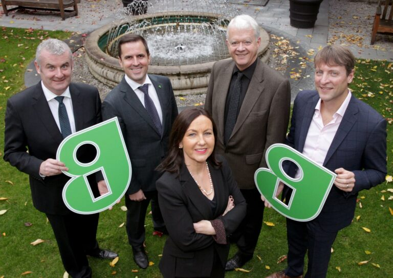 19/10/2018 Past, present and future of the pharmaceutical sector in Ireland, pictured at a round-table event hosted by Guaranteed Irish today are, from left, Ger Brennan (Chair), Managing Director, MSD Ireland, Martin Shanahan, CEO, IDA Ireland, Brid O Connell, CEO of Guaranteed Irish, Matt Moran, BioPharmaChem Ireland (IBEC), and Todd Manning, Managing Director, AbbVie, and Deputy Vice President, Irish Pharmaceutical and Healthcare Association (IPHA). The pivotal role that the pharmaceutical and healthcare industry plays in Ireland's economy was the focus of a round-table discussion held today by Guaranteed Irish, the not-for-profit business membership organisation championing 500+ homegrown and international businesses in Ireland. The session, which was part of the Guaranteed Irish annual 'Pharmaceutical and Healthcare Month', was attended by members of the pharmaceutical industry, IDA Ireland and other key industry stakeholders. The outcomes of today's event will be developed into a submission paper for Government by Guaranteed Irish and will outline the support required to ensure the pharmaceutical sector remains in robust health in Ireland. PHOTO: Mark Stedman